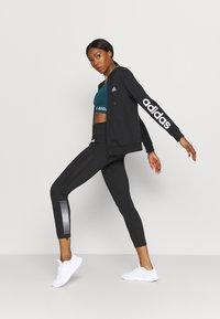 adidas Performance - AEROKNIT BRA TRAINING WORKOUT DESIGNED4TRAINING PRIMEGREEN SPORTS LIGHT SUPPORT FITTED - Sports-BH-er med lett støtte - wild teal - 1