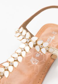Tamaris - T-bar sandals - gold - 2
