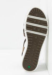 Timberland - SAFARI DAWN - Sandały na platformie - olive - 4