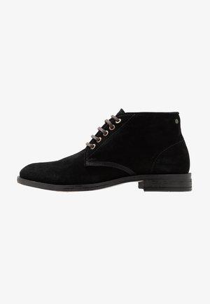 BEYOND - Šněrovací kotníkové boty - black