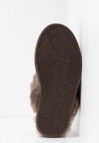 UGG - SCUFFETTE  - Slippers - mole - 6