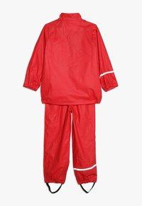 CeLaVi - BASIC RAINWEAR SUIT SOLID - Pantalones impermeables - red - 2