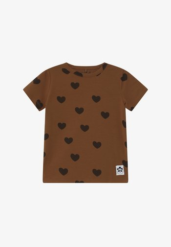 HEARTS TEE