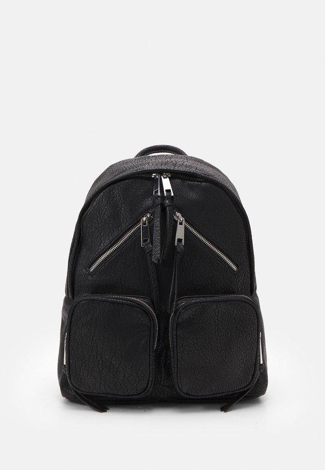 ZIP SKATER BACKPACK - Plecak - black