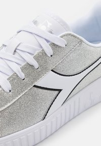 Diadora - GAME STEP GLITTER - Sports shoes - silver metalized - 5