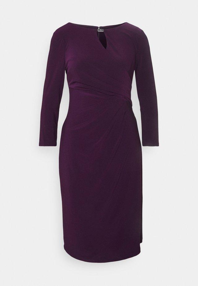 MID WEIGHT DRESS TRIM - Etuikleid - raisin