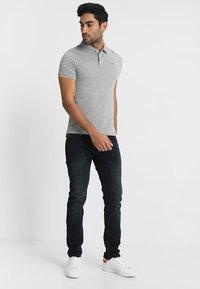 Tommy Jeans - ORIGINAL FINE SLIM FIT - Polotričko - light grey - 1
