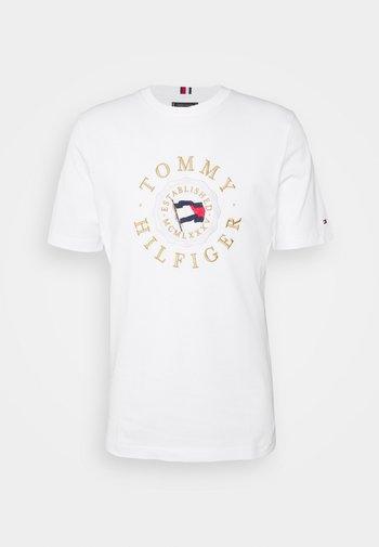 ICON COIN TEE - Camiseta estampada - white