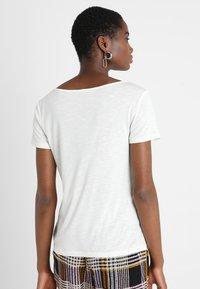 Vila - VINOEL  - Basic T-shirt - cloud dancer - 2
