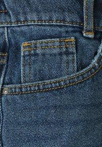 Noisy May - NMLOTTIE SKATE - Shorts di jeans - medium blue denim - 2