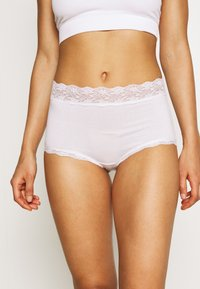 Lindex - BRIEF PURE CLASSIC HIGH 3 PACK - Pants - white - 1