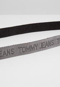 Tommy Jeans - TJM ROLLER REV WEBBING BELT - Bælter - black - 3
