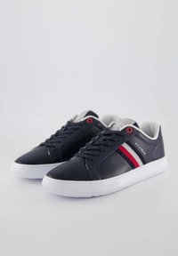 Tommy Hilfiger - ESSENTIAL CUPSOLE - Sneakers basse - marine - 2