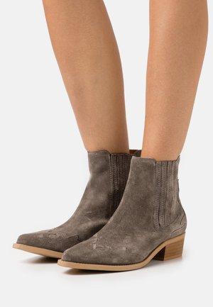BIADELORA WESTERN CHELSEA BOOT - Cowboy/biker ankle boot - warm grey
