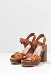 mtng - TAY - Sandály na vysokém podpatku - orange/brown - 4