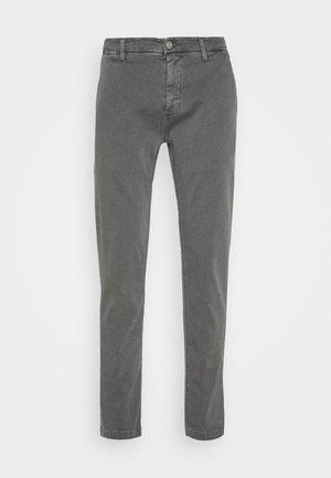 ZEUMAR HYPERFLEX  - Slim fit jeans - grey mouse