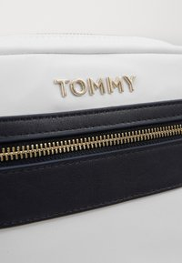 Tommy Hilfiger - CROSSOVER - Across body bag - white - 3