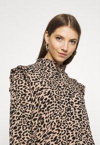 b.young - BXJULA - Button-down blouse - golden sand combi - 4