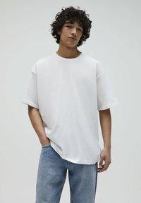 PULL&BEAR - 2PACK - OVERSIZED - T-shirt basique - white - 3