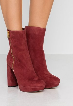 FRENCHIE PLATFORM BOOTIE - High heeled ankle boots - brandy