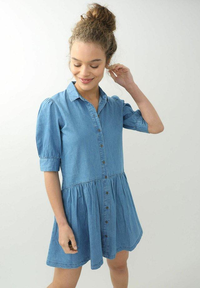 Denní šaty - ausgewaschenes blau
