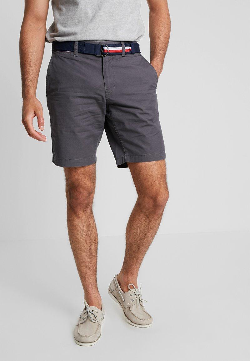 Tommy Hilfiger - BROOKLYN LIGHT BELT - Shorts - grey