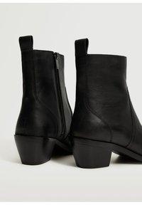 Mango - Classic ankle boots - Zwart - 2
