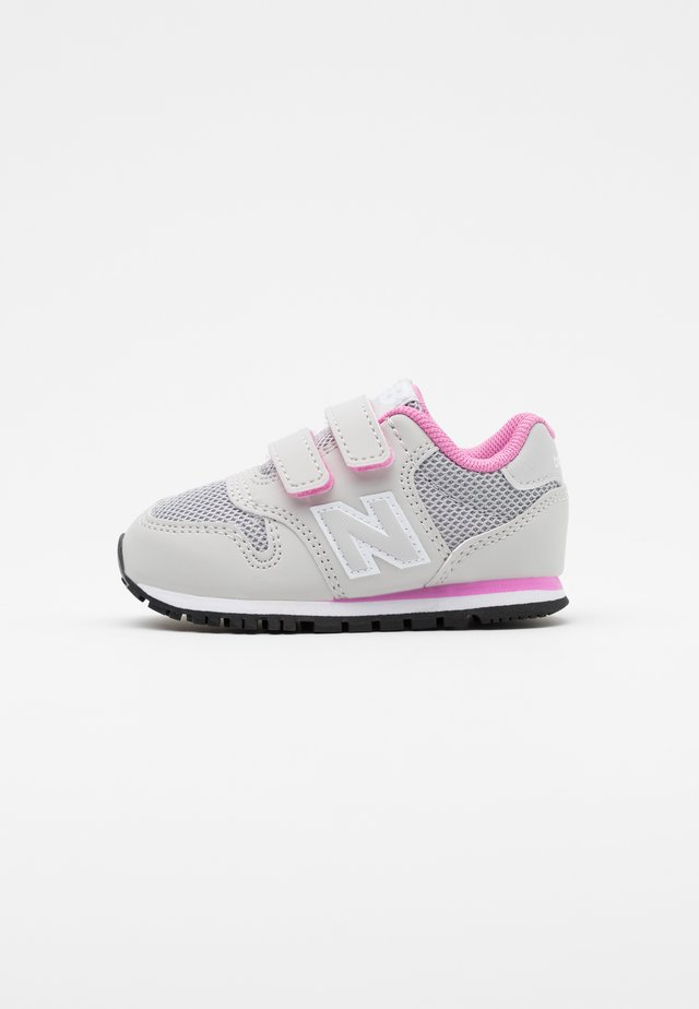IV500RI - Baskets basses - grey/pink