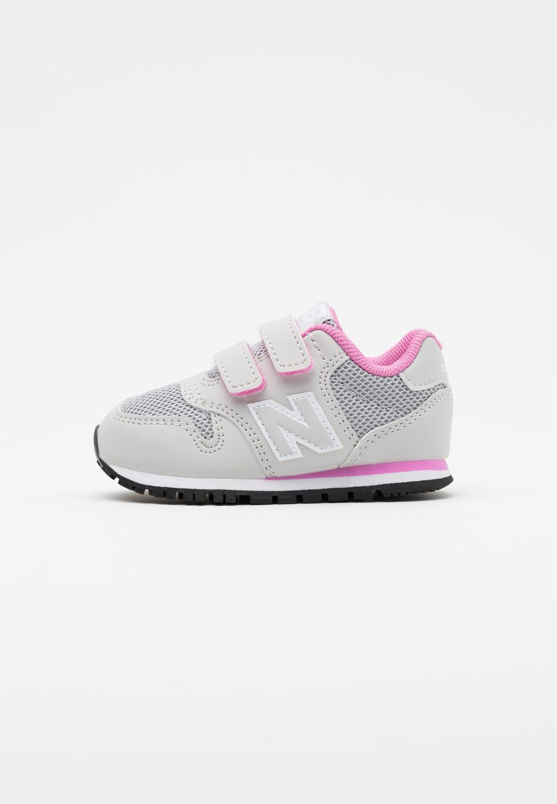New Balance - IV500RI - Zapatillas - grey/pink