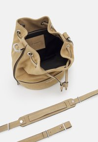 The Kooples - TINA KUNAKEY MEDIUM BUCKET BAG - Handtas - beige - 2