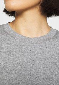 ARKET - Basic T-shirt - grey medium dusty - 6