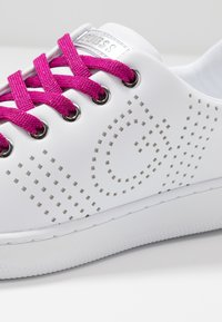 Guess - RANVO - Trainers - white/pink - 2