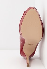 Faith - LOOK - Peeptoe heels - red - 6