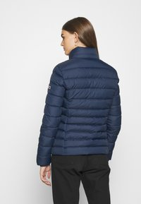 Tommy Jeans - BASIC - Chaqueta de plumas - twilight navy - 6