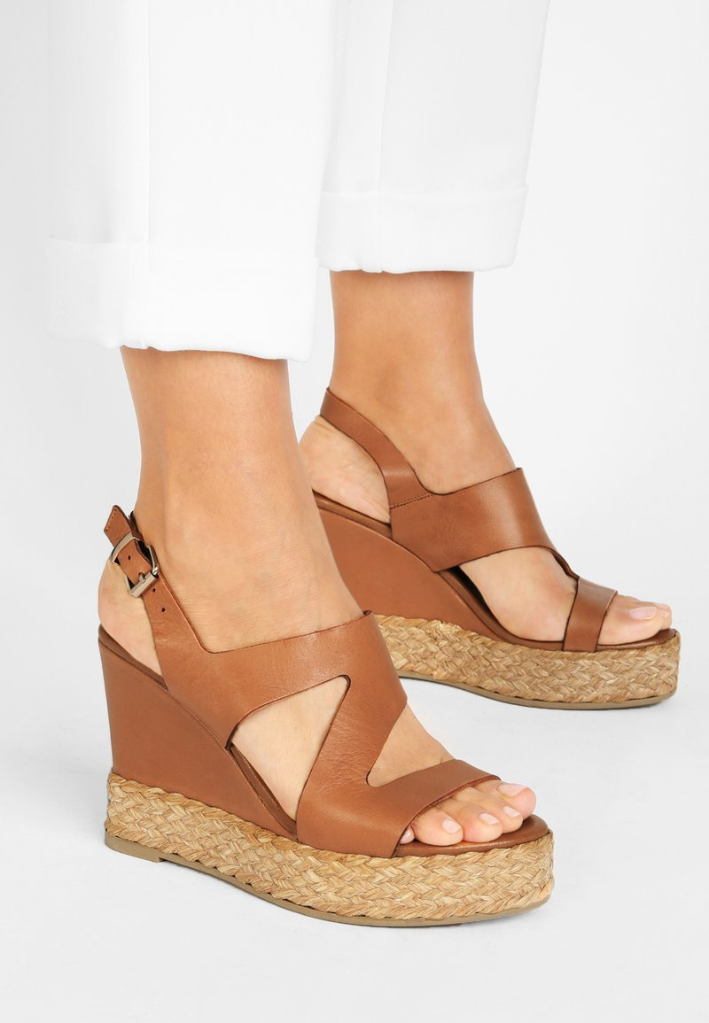 Inuovo - High heeled sandals - coconut ccn