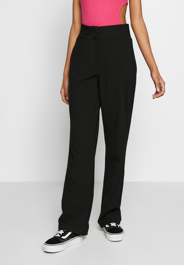 YASSEERI PANT - Pantalon classique - black