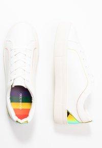 Even&Odd - PRIDE - Matalavartiset tennarit - white/multicolor - 3