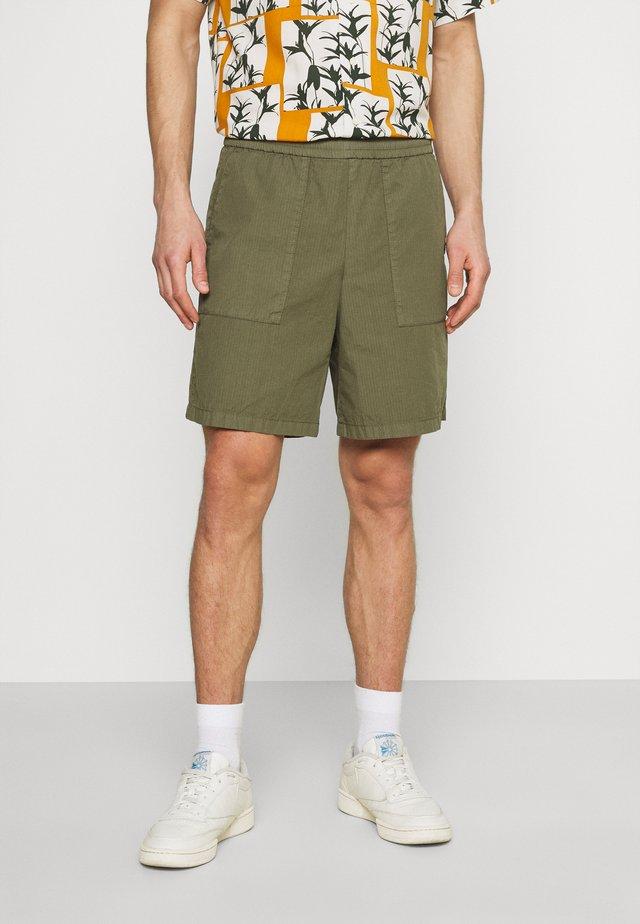 Shorts - fresh olive