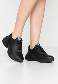 Tamaris Fashletics - LACE-UP - Baskets basses - black uni - 0