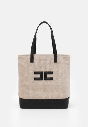 LOGO SHOPPER - Tote bag - calce/nero