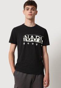 Napapijri - SILEI - T-shirt print - black - 0