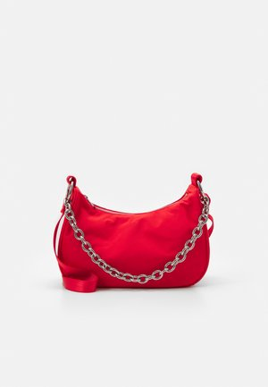 CHAIN HAND BAG - Håndveske - red