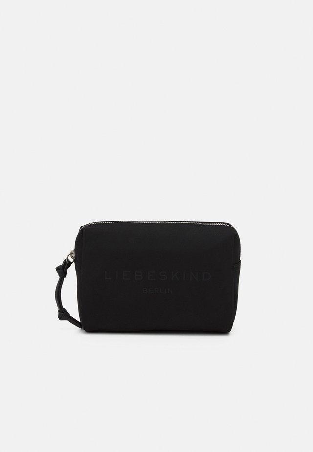TAMORA COSMETIC POUCH SMALL - Kosmetická taška - black