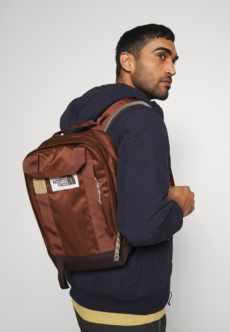 The North Face - TOTE PACK UNISEX - Batoh - brown