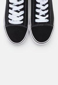 Rubi Shoes by Cotton On - JOEY TOE CAP - Matalavartiset tennarit - black - 5