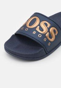 BOSS Kidswear - Pool slides - navy - 5