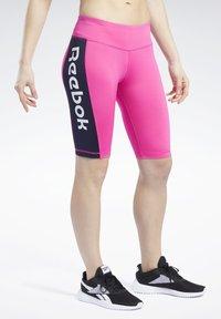 Reebok - MEET YOU THERE TRAINING 1/4 - kurze Sporthose - pink - 0