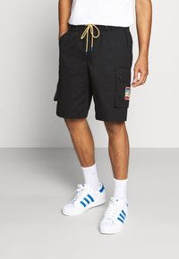 adidas Originals - ADPLR CARGO SPORTS INSPIRED SHORTS - Shorts - black - 0