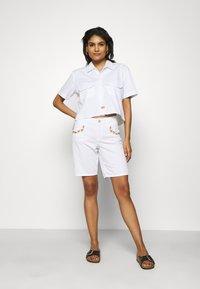 Mos Mosh - DECOR - Shorts - white - 1