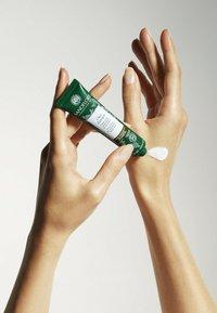 SANOFLORE - SANOFLORE BODY CARE BELEBENDE HANDCREME - Hand cream - - - 1